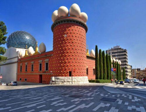 Porta Corredera amb Mirall a Figueres